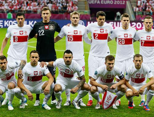 Nhận lương ở Đức, chống đội Đức - 1