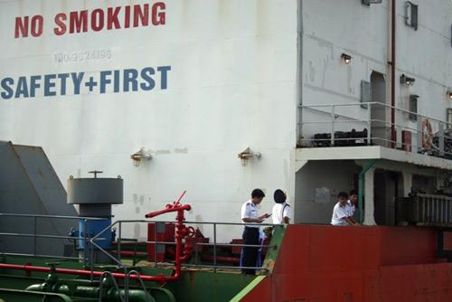 Sự hung hãn của cướp biển qua lời máy trưởng tàu Sunrise - 6