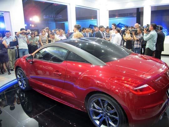 Tiêu thụ ô tô năm nay sẽ cao kỷ lục? - 1