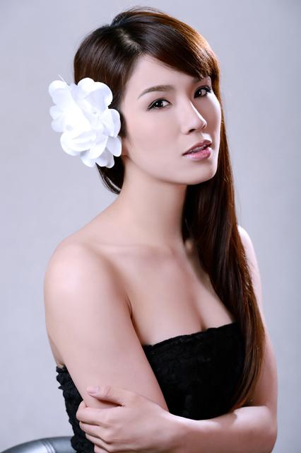 Diệp Lâm Anh hóa nàng dâu đa phong cách - 1