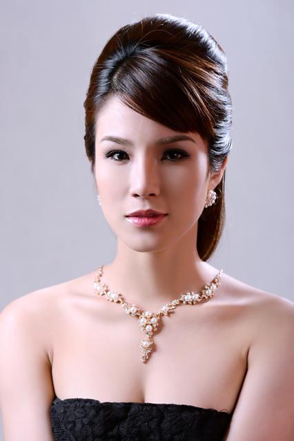Diệp Lâm Anh hóa nàng dâu đa phong cách - 3