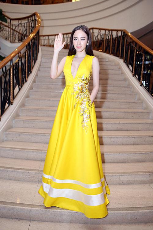 Sau án phạt, Angela Phương Trinh lại biểu diễn táo bạo - 5