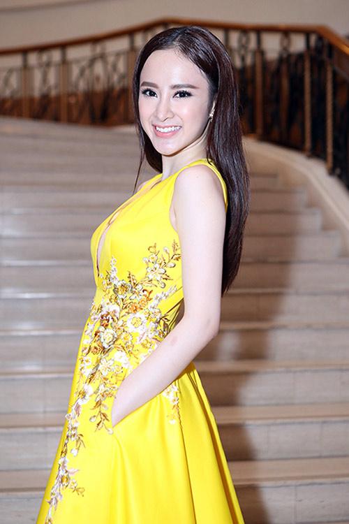 Sau án phạt, Angela Phương Trinh lại biểu diễn táo bạo - 6