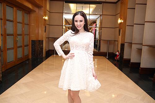 Sau án phạt, Angela Phương Trinh lại biểu diễn táo bạo - 13