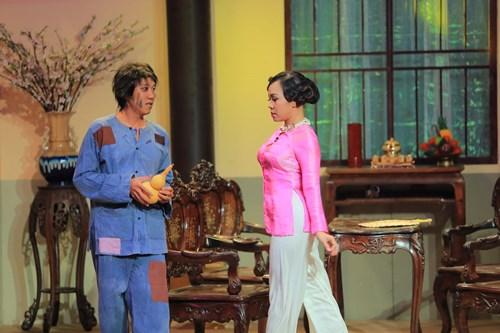 """Y tá Trấn Thành """"hành"""" bác sĩ Kiều Linh - 4"""