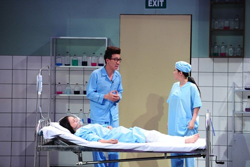 """Y tá Trấn Thành """"hành"""" bác sĩ Kiều Linh - 1"""