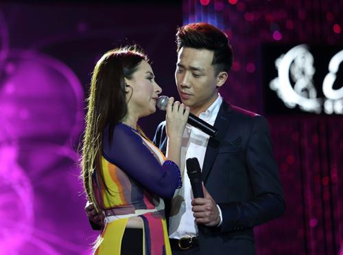 Phi Nhung khóc cạn nước mắt trong liveshow - 9