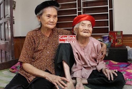 Cụ bà 110 tuổi có biệt tài cộng tiền nhanh hơn máy tính - 1