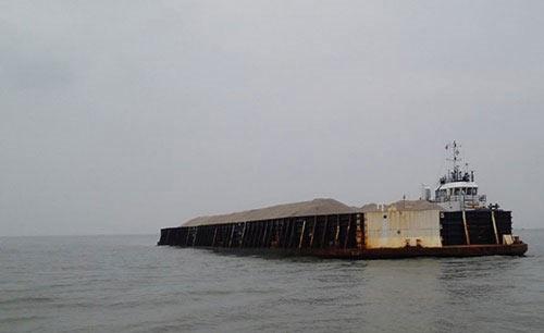 Va xà lan nước ngoài, thuyền trưởng tàu cá mất tích - 1