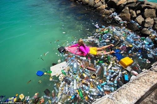 Đảo rác khổng lồ phía sau thiên đường biển Maldives - 8