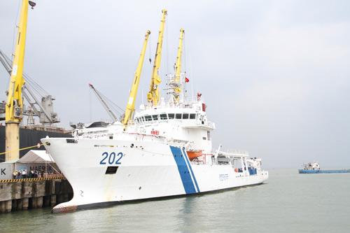Cận cảnh tàu kiểm soát ô nhiễm của Ấn Độ tại Việt Nam - 1