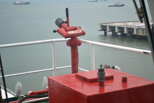 Cận cảnh tàu kiểm soát ô nhiễm của Ấn Độ tại Việt Nam - 10