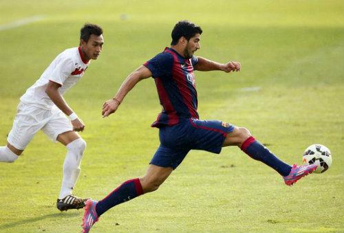Suarez lập cú đúp: Cú chạy đà hoàn hảo cho El Clasico - 2