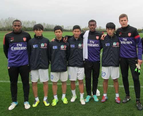 Arsenal muốn 2 ngôi sao sáng nhất của U19 VN - 2