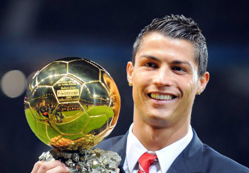 """Ai """"bơm"""" Ronaldo ở cuộc bầu chọn VĐV vĩ đại nhất? - 1"""