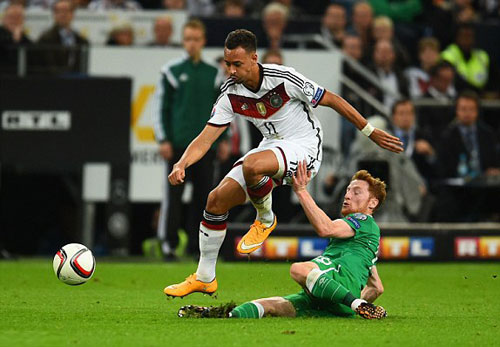 Đức - Ailen: Cú sốc cuối trận - 1