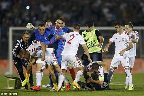 Đánh nhau trối chết ở vòng loại Euro 2016 - 5
