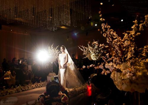 Những khoảnh khắc đẹp trong hôn lễ lần 2 của Chae Rim - 5
