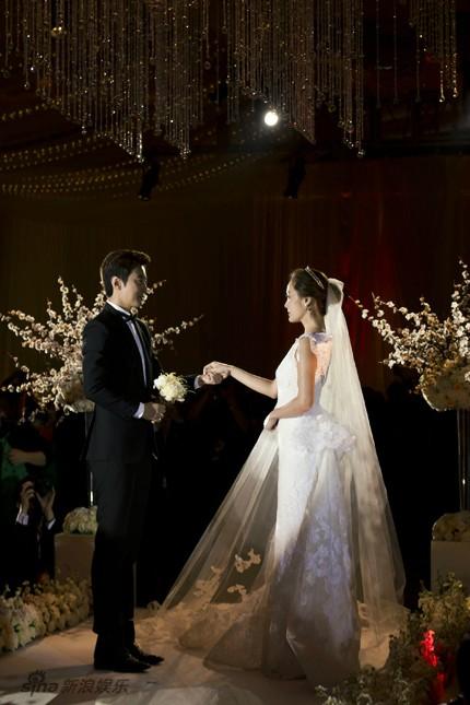Những khoảnh khắc đẹp trong hôn lễ lần 2 của Chae Rim - 6