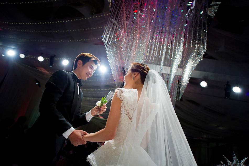 Những khoảnh khắc đẹp trong hôn lễ lần 2 của Chae Rim - 15