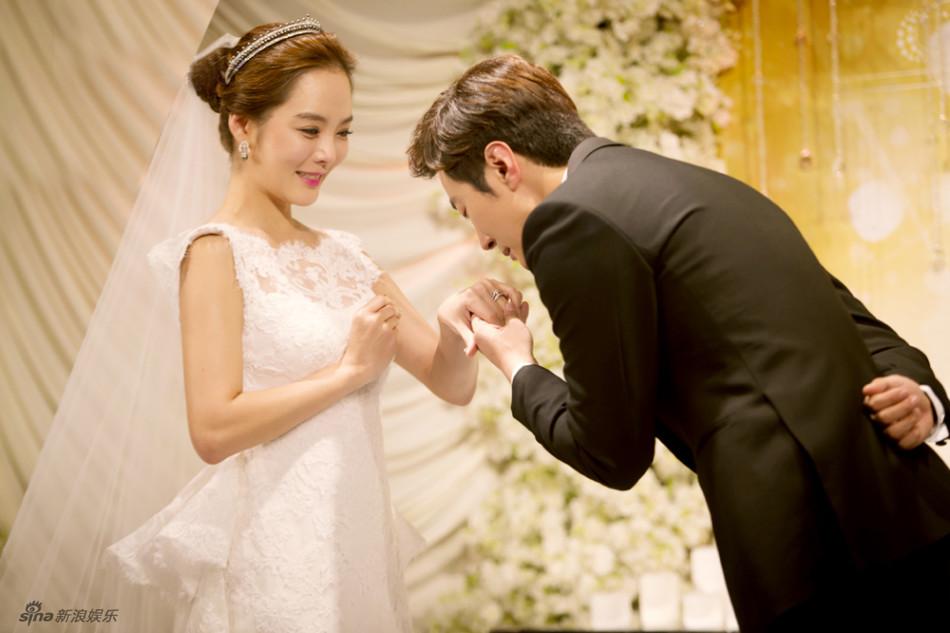 Những khoảnh khắc đẹp trong hôn lễ lần 2 của Chae Rim - 4
