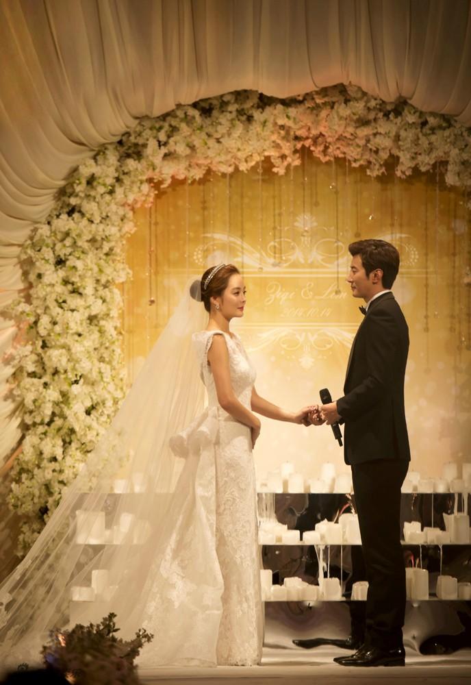 Những khoảnh khắc đẹp trong hôn lễ lần 2 của Chae Rim - 1