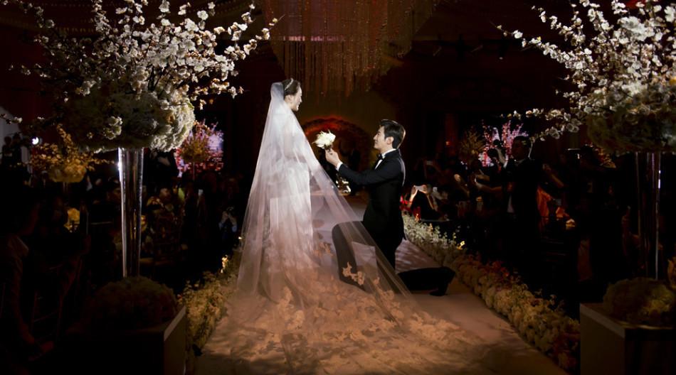 Những khoảnh khắc đẹp trong hôn lễ lần 2 của Chae Rim - 7