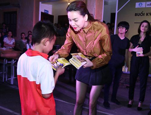 Sốt vé trước show diễn xuyên Việt của Hà Hồ tại Thủ đô - 3