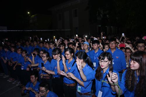 Sốt vé trước show diễn xuyên Việt của Hà Hồ tại Thủ đô - 1
