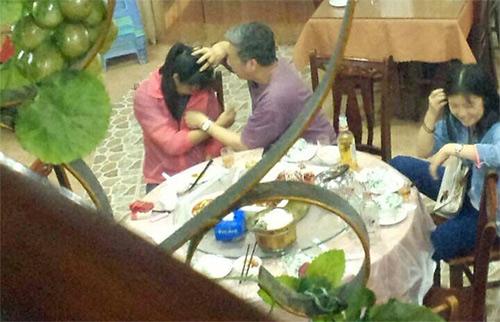 TQ: Nữ sinh bị giáo sư sàm sỡ ngay tại quán ăn - 2