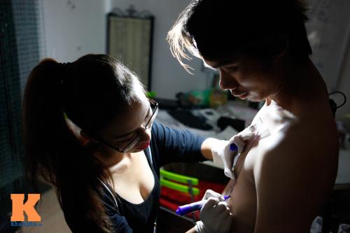 Trắng đêm cùng nữ thợ xăm nghệ thuật Hà thành