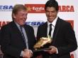 """Suarez nhận Chiếc giày vàng: Sẵn sàng """"đọ súng"""" CR7"""