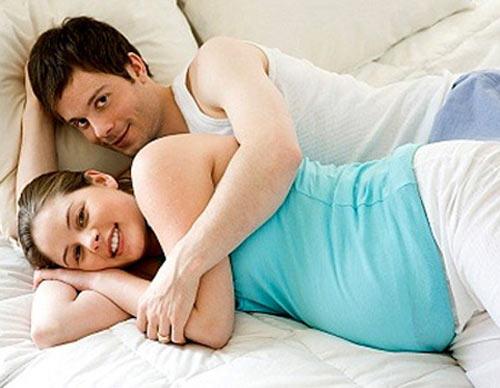 """Lợi ích bất ngờ của """"chuyện ấy"""" khi mang thai - 1"""