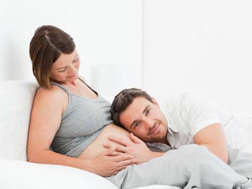 """Lợi ích bất ngờ của """"chuyện ấy"""" khi mang thai - 2"""