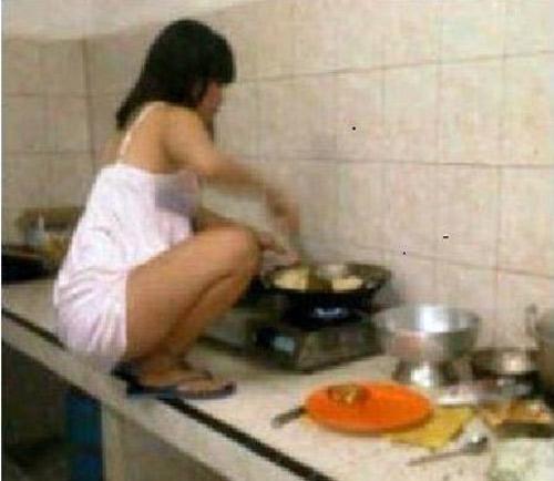 """Khi các chị em vào bếp """"trổ tài"""" - 4"""