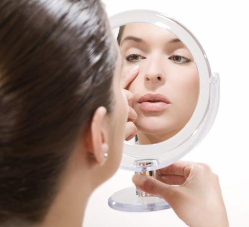 7 loại mặt nạ trị quầng thâm mắt từ thiên nhiên dễ làm - 1