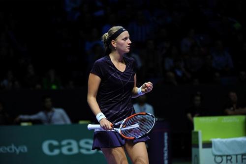 Sharapova đọ sức Wozniacki (Lượt 1 bảng trắng WTA Finals) - 5