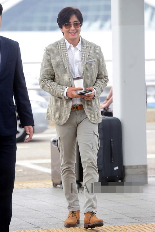 Soi phong cách đời thường của mỹ nam xứ Hàn - 2