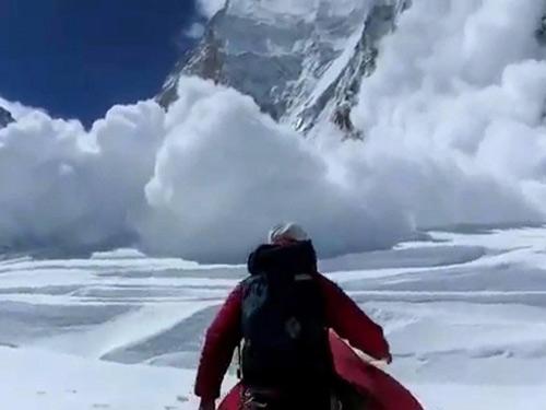 Lở tuyết kinh hoàng: Nepal kết thúc tìm kiếm nạn nhân - 1