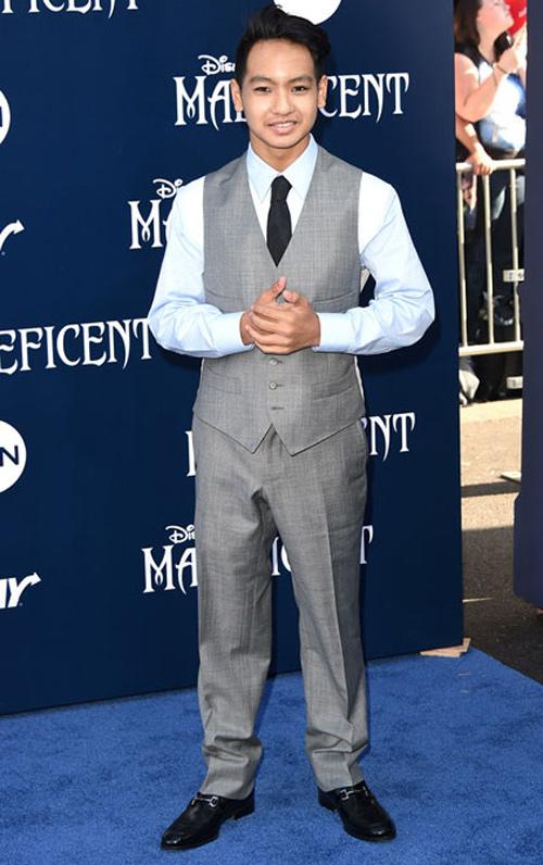 """Brad Pitt để quý tử 13 tuổi xem """"phim người lớn"""" - 2"""
