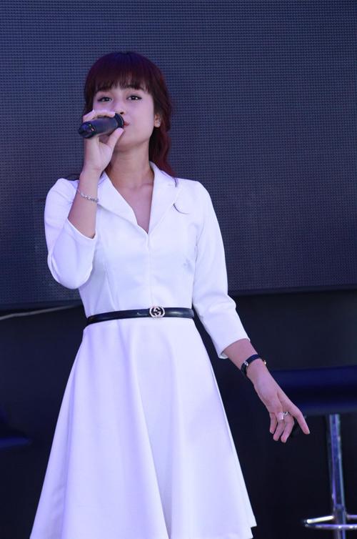 Hotgirl 18 tuổi cover nhạc Việt cuốn hút dân mạng - 9