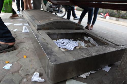 Ảnh: Trạm xe buýt lớn nhất Thủ đô trước ngày bị dỡ bỏ - 8