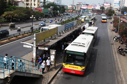 Ảnh: Trạm xe buýt lớn nhất Thủ đô trước ngày bị dỡ bỏ - 2