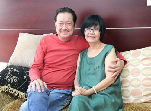 Vợ chồng Chánh Tín tái xuất sau scandal nợ nần - 1