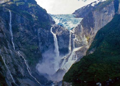 Chiêm ngưỡng dòng sông băng lơ lửng giữa trời - 8