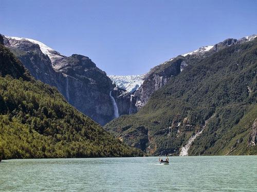 Chiêm ngưỡng dòng sông băng lơ lửng giữa trời - 1