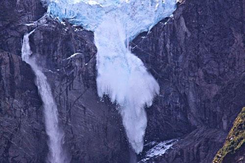 Chiêm ngưỡng dòng sông băng lơ lửng giữa trời - 7