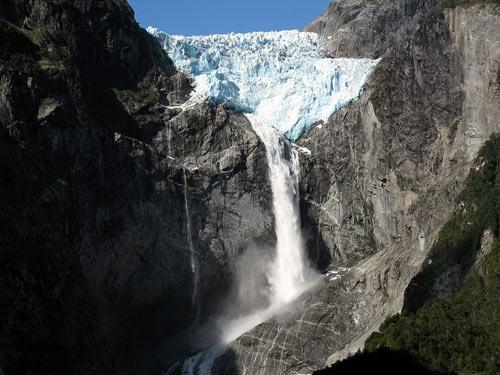 Chiêm ngưỡng dòng sông băng lơ lửng giữa trời - 3