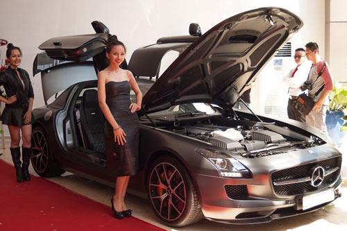 Chi tiết dàn xe khủng của nhà chồng Hà Tăng - 2