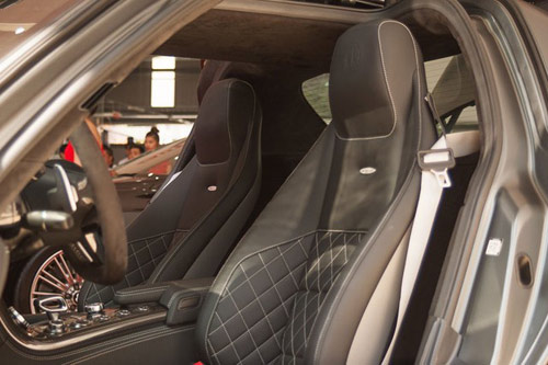 Chi tiết dàn xe khủng của nhà chồng Hà Tăng - 6